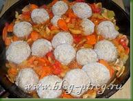 тефтели с подливкой, тефтели с рисом, тефтели в томатном соусе, как приготовить тефтели, ёжики из фарша, тефтели с подливкой рецепт, приготовление тефтелей, мясные ёжики