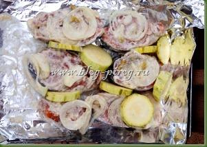 запеченная рыба в фольге, рыба на углях, рецепт рыбы в фольге, красная рыба в фольге, рыба с овощами в фольге, как вкусно запечь рыбу