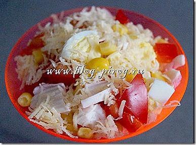 крабовый салат с помидорами, салат крабовые палочки помидоры сыр